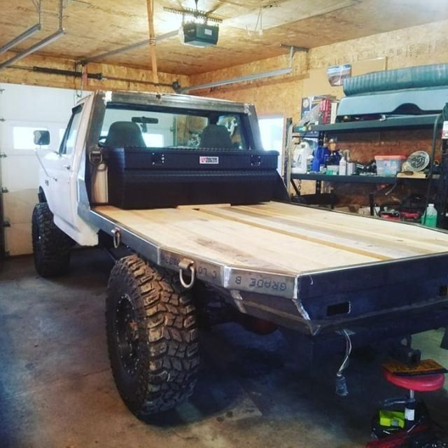 Cpaddict Posted To Instagram The Custom Made Flatbed On This Truck Is Sweet Jhays7 3 Obs Obsford Ford Truck Flatbeds Custom Trucks Custom Truck Beds