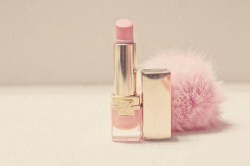 Such a pretty color of lipstick. <3