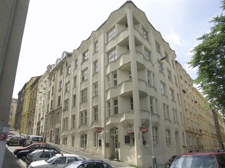 Condominio Hodek. Architetto Josef Chochol - 1913/14 - Praga, via Neklanova 98/30