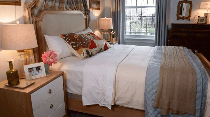 10 Great Ideas To Jazz Up A Small Square Bedroom: 17 Best Ideas About Small Desk Bedroom On Pinterest
