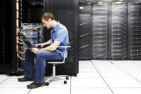 ИТ-аутсорс: обслуживание серверов    Информация – один из самых ценных ресурсов. Поэтому для каждой компании очень важно сохранять конфиденциальность. Конфиденциальность наработок своих сотрудников и данных клиентов, конфиденциальность проектов, которые находятся в работе, и тех, которые уже отправлены в архив. Только содержа эту информацию в тайне, вы можете продавать уникальную комбинацию навыков, методов и опыта. Однако во времена технологической революции делать это не так-то просто…