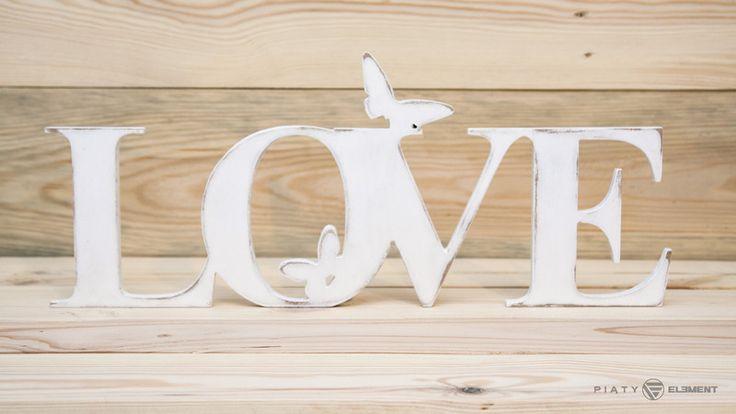 """Biały, przycierany napis """"Love"""" z motylkami  - PiatyElement - Litery i napisy"""