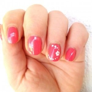 Flower nail art - Tentazione Unghie #Tutorial #nailart #nails #unghie #flawers #tutorialnailart - http://www.tentazioneunghie.it/flower-nail-art/