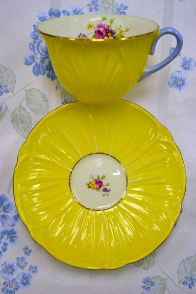 Shelley Yellow Teacup