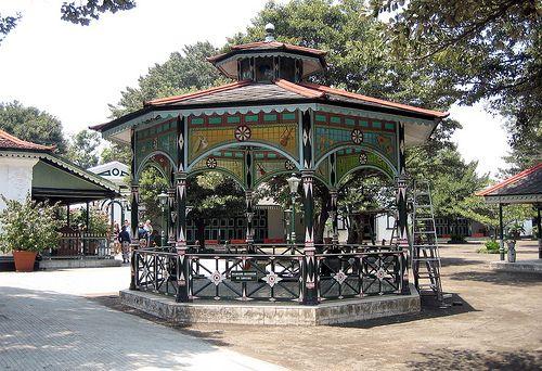 Elegant Pavilion, Yogyakarta Kraton, Yogyakarta, Java, Indonesia