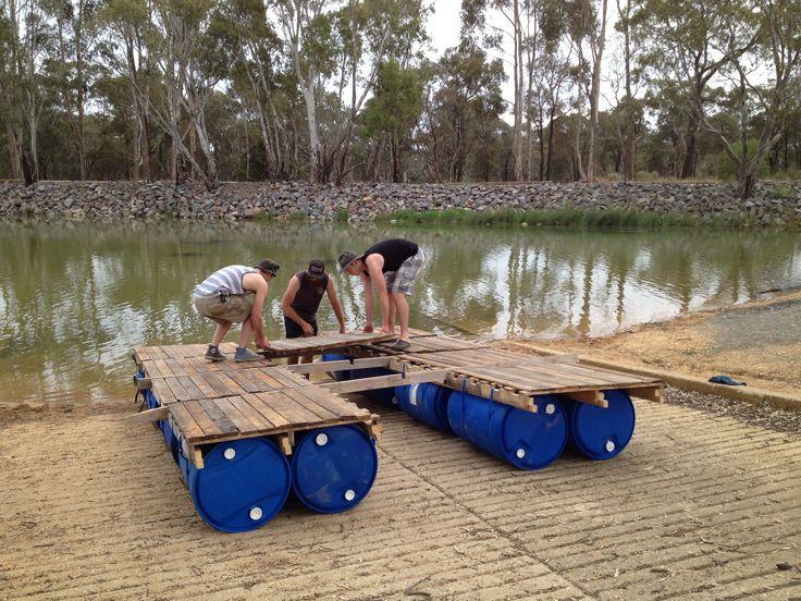cute diy portable pontoon using old pallets and old blue drums deck drum - Salon De Jardin Mtal Color