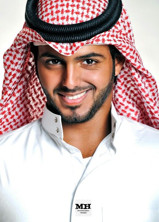 Arab man divine .... take me to your harem and I promise ...