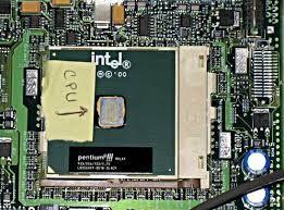 CPU(unidad central de procesamiento): Se producen la mayoría de los cálculos y es el elemento más importante de un sistema informático.