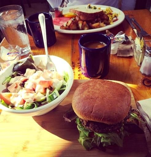 Fig Tree Cafe Hillcrest is serving Breakfast & Lunch 8am-3pm, join us!  Photo via Instagram @callroxy