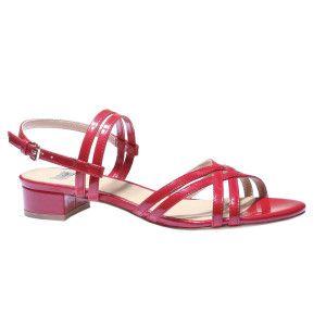 Nízké kožené páskové sandály
