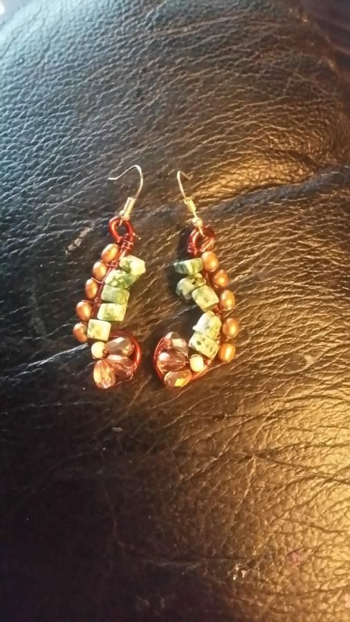 A Pretty bobble matching earrings  by Pearlamber