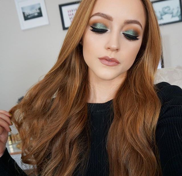 Kathleenlights Makeup Vanity : 17 Best images about KATHLEENLIGHTS on Pinterest Makeup, Mascaras and Foundation