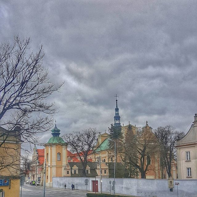 there's something about an old town that leaves you speechless  #Sandomierz  #travel #iseeplaces #travelphotography #worldinmotion#allaroundtheworld#postcardsfromtheworld #arountheworld#worldplaces#traveltheworld #travelgram#travelphoto#picoftheday #oldtown#photography#architecture  #instagram#instagood#instatravel #instamood#instalove#igdaily#like4like#l4l#followforfollow #streetphotography #photos_from_poland #polska