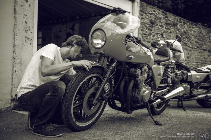 Day1 -  Setting up the bike for the Tour de France with a Cafe Racer Motorcycle