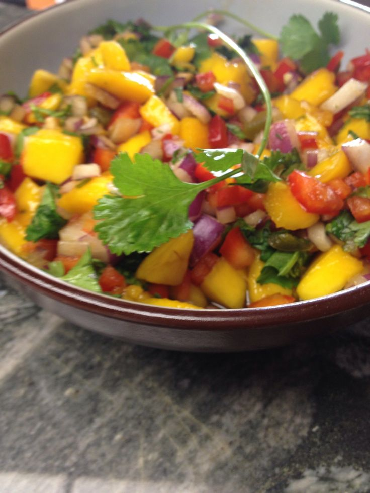 How to make mango salsa recipe cilantro red peppers for Mango salsa recipe for fish