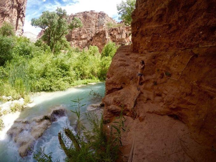Les chutes d'Havasu, en Arizona, sont méconnues, mais ô combien paradisiaques ! Située dans le Grand Canyon, l'incroyable cascade d'eau turquoise se marie parfaitement avec la roche, de couleur rouge vif. Et le décor est sa...