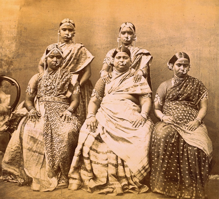 Studio portrait of five women wearing jewellery, at Madras in Tamil Nadu - 1870s