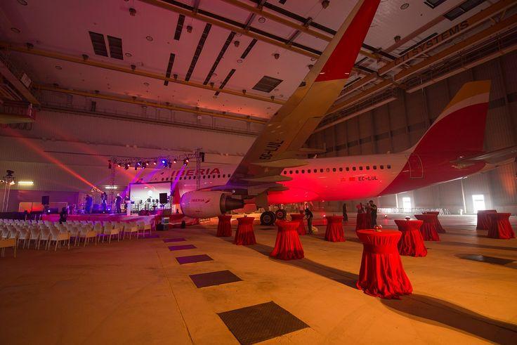 Nuestro hangar en #LaMuñoza acogió el evento que ponía fin al tour de #LaMaestro, la última guitarra de #PacodeLucía. #laguitarravuela