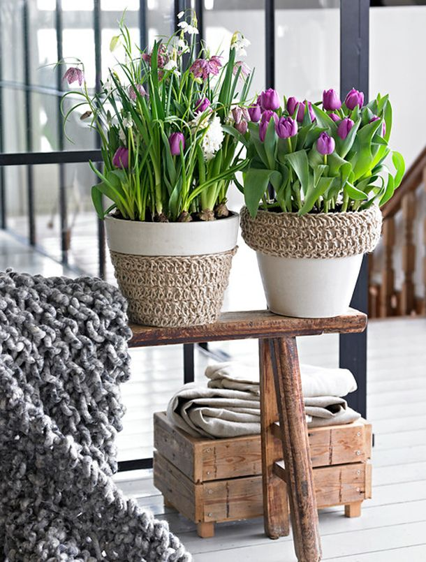 spring decorations for the home | Spring decorating ideas -Refresh your home with spring flowering bulbs