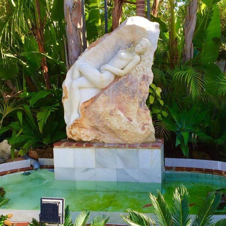 Die besten 25+ Moderne Skulptur Ideen auf Pinterest Statue - designer holzmobel skulptur