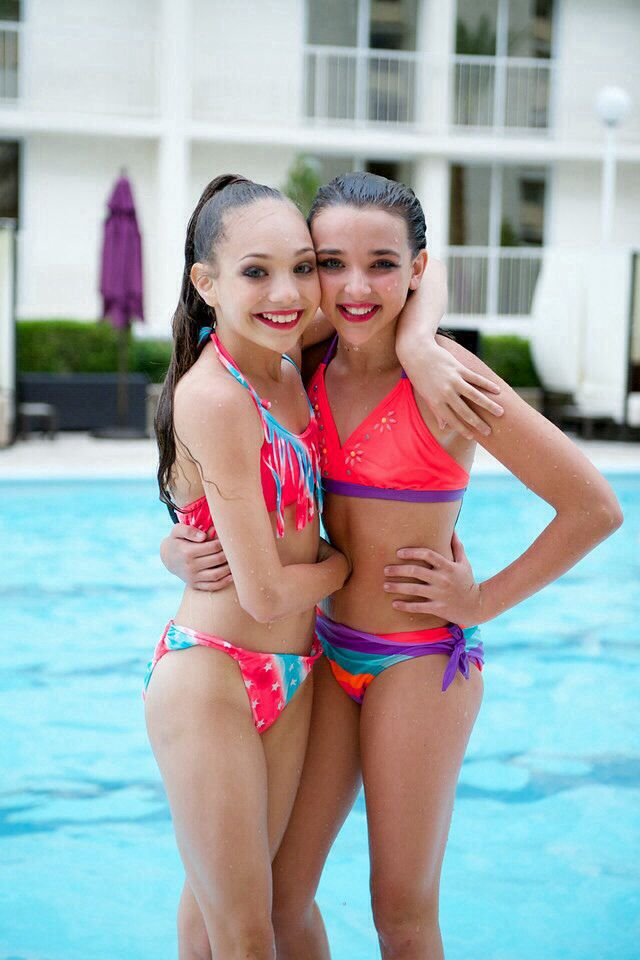 28 best maddie ziegler images on pinterest dance moms for Pool dance show