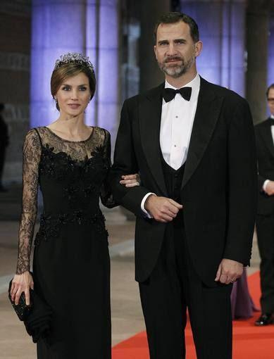 Cena de gala para despedir a la reina Beatriz de Holanda - RTVE.es http://www.rtve.es/mediateca/fotos/20130429/cena-gala-para-despedir-reina-beatriz-holanda/111015.shtml