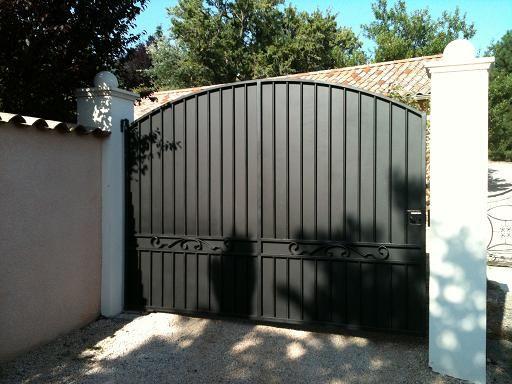 1000 id es sur le th me portail coulissant sur pinterest portail alu portail aluminium et portail for Peinture pour portail en fer