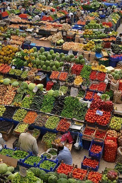 Shopping's a little different in Turkey. Fruit and veges are colourful and fresh - which is probably why food tastes so good there.