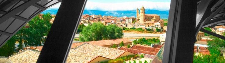 Hotel Marques De Riscal Elciego. Vistas De Elciego Desde El Hotel 2. 823x234