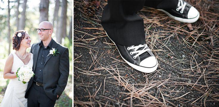Nie vždy to musia byť len vyleštené oxfordky /  It doesn't always have to be polished oxfords #groom #shoes #wedding #inspiration  See more: http://vaseano.sk/baskovci-svadobne-fotografie-prievidza-bojnice/