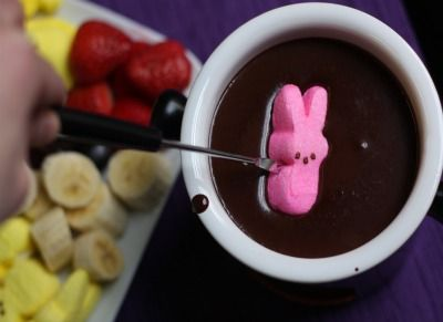peep fondue: Fun Desserts, Food Network, Easter Fondue, Easter Peeps Fondue, Easter Chocolates, Fondue Ideas, Dips, Chocolates Fondue Recipes, Easter Ideas