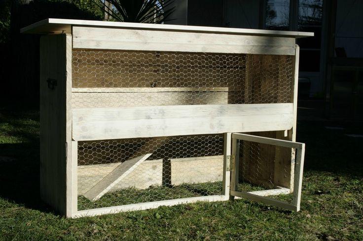 clapier en bois de palettes id es de d co pinterest. Black Bedroom Furniture Sets. Home Design Ideas