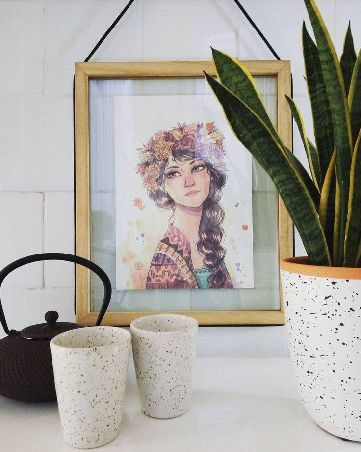 """Ella es Kuri, es la que hace que las hojas cojan tonos marrones, rojizos y amarillos. También se encarga de convocar a todos los tipos de setas y frutos de la estación, manzanas, higos, nueces, castañas, avellanas... Su tarea favorita es ayudar a las criaturas del bosque que hacen acopio de alimentos para enfrentarse al invierno. Siempre la verás acompañada de pajarillos o pequeños roedores."""" # EstherGili Illustrator Illustration Print Frame Art Arte Decoration Decoración Acuarelas…"""