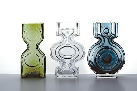 Vases from Riihimäen Lasi by Helena Tynell (1968), I like the style a lot.