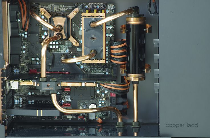I love this gold and black theme. If I ever build my own computer I think that's what I would want. That or a simple black and white setup.