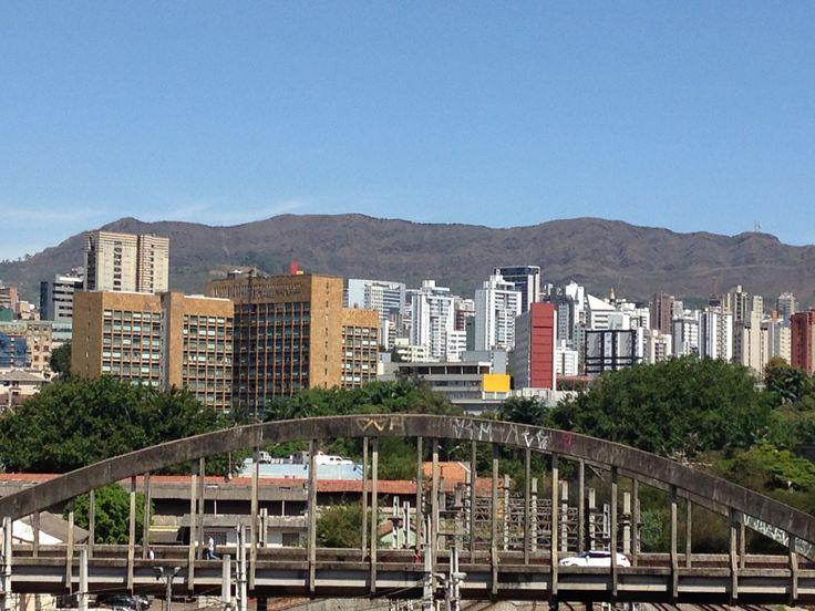 viaduto de Santa Tereza e a serra do curral ao fundo - Belo Horizonte