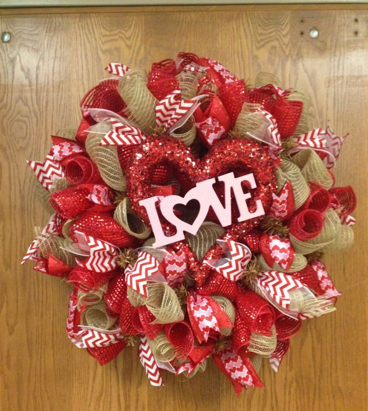 Heart Shaped Deco Mesh Wreath | Deco mesh wreath | Wreaths | Pinterest