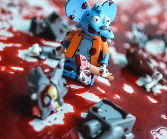 Handgemachte LEGO Figuren wie zum Beispiel Simpsons oder Superhelden Figuren darumbinichblank.de ....All kinds of handmade LEGO figurines like Itchy and Scratchy, Batman, Superman and Arrow darumbinichblank.de