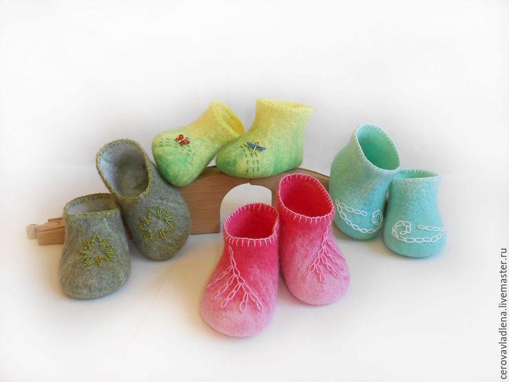 """Купить Валяные пинетки """"Звезда"""", """"Вишневый цвет"""", """"Лазурь"""", """"Жучки"""" - разноцветный, улитка, новорожденному, бабочка"""
