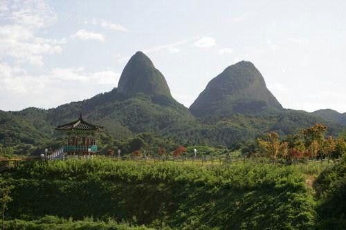 우뚝솟은 멋진 마이산