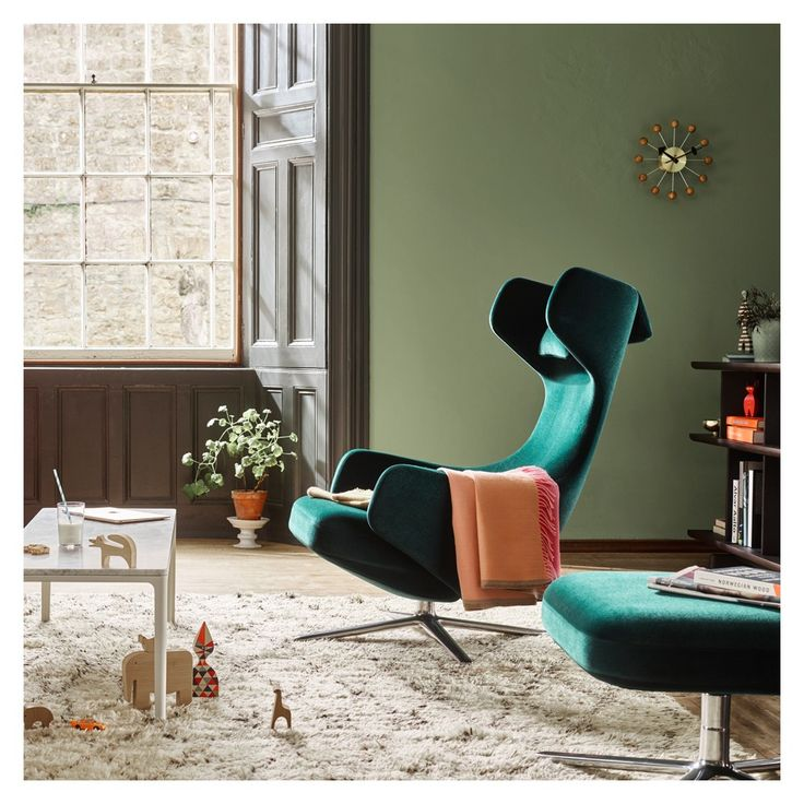 For a limited time only, Vitra has reimagined the iconic Grand Repos chair for the winter season in luxurious ivy green Nobile velour fabric to create an inimitably welcoming chair design.