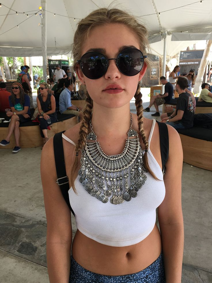 @5forecastore original pics from coachella 2016: tribal, greek and bold inspired neck decoration.