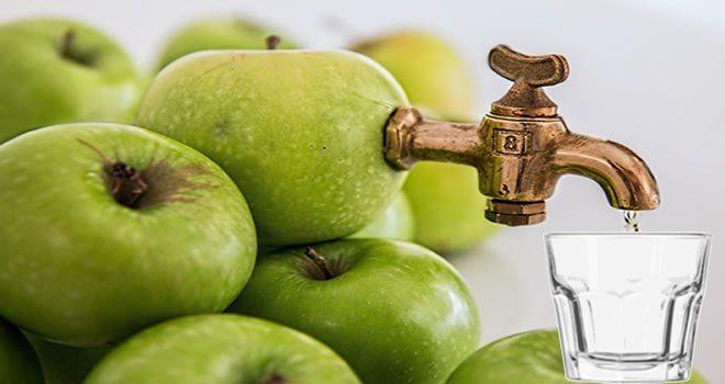 Elma suyu içerek dilediğiniz kiloya ulaşmanız mümkün..İşte detaylar… Elma bilindiği gibi diyet listelerinin vazgeçilmez bir öğesidir. Peki çok sıkı diyetler yapmadan vereceğimiz bu tarifle k…