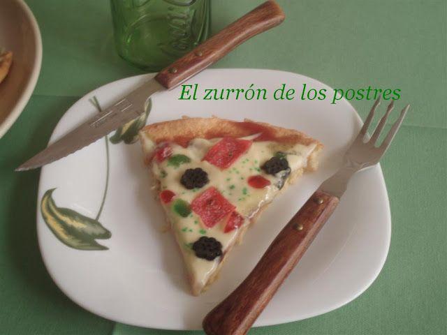 La Dolce Pizza.  El queso no es queso, es crema pastelera; la salsa de tomate es mermelada, todo dulce...