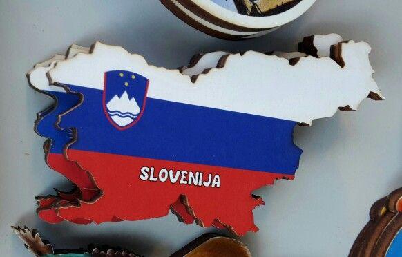 Wooden #Slovenia map magnet
