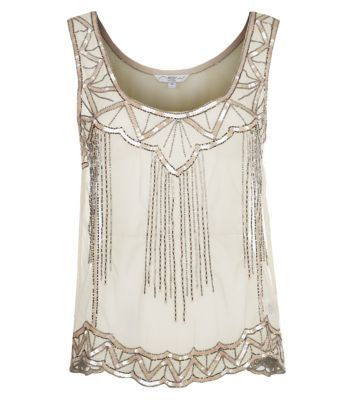 Awaken your inner flapper girl with this 1920's deco inspired top! Adorned with sequin embellishment and beaded detail #flapper #sequins #1920s #newlookfashion