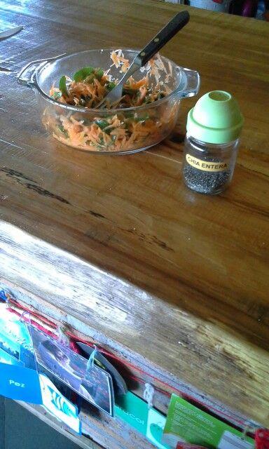 Ensalada de zanahoria con hojas de maqui