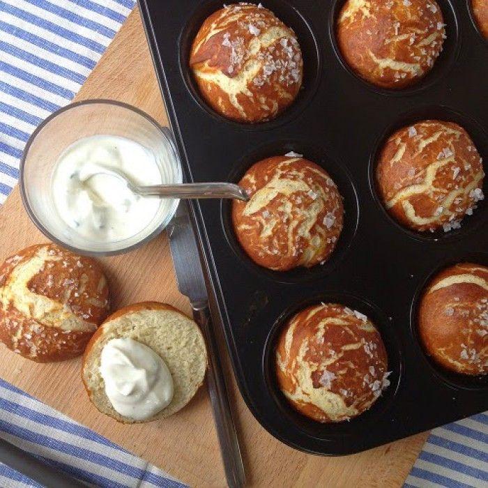 Laugenmuffins für Fans der herzhaften Muffins. Noch mehr Rezepte gibt es auf www.Spaaz.de