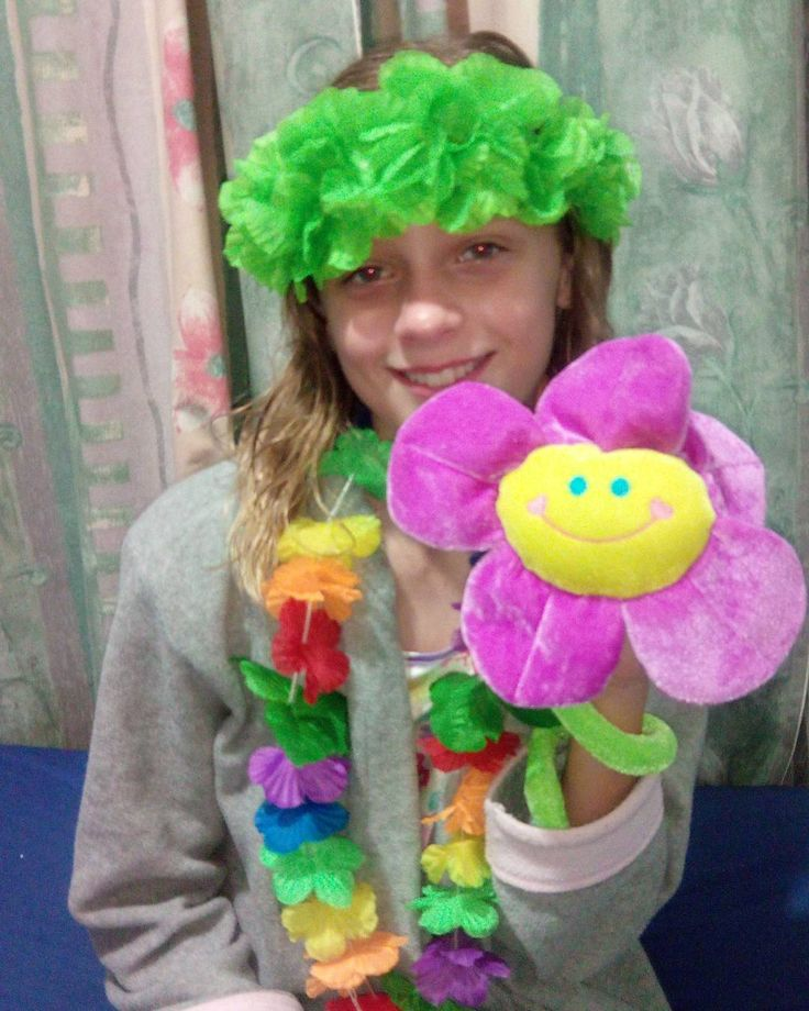 My daughter and her inanimate pet she named Flowey #personal #cute #flower #pictureoftheday #family