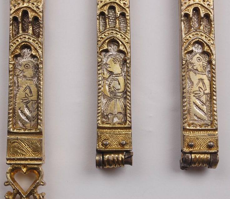 Gold belt ends,Italy,14th-15th century.